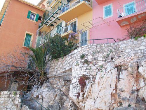 Villefranche maisons sur rocher